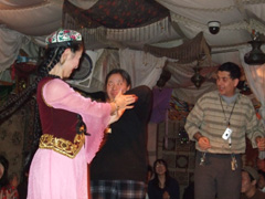 zakuro_uzubekdance.jpg